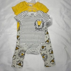 Little Beginnings NWT 3pc Loin Outfit Size 0-3mths
